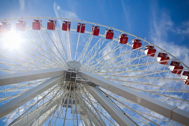 Cercando Ferris Wheel fotografie stock