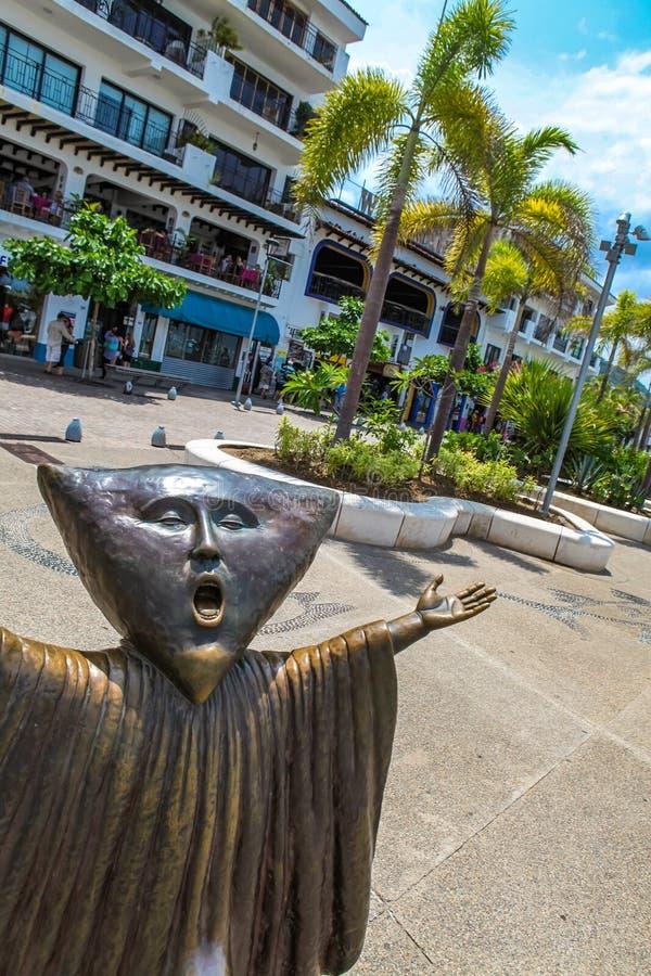 Cercando la statua di ragione a Puerto Vallarta fotografia stock