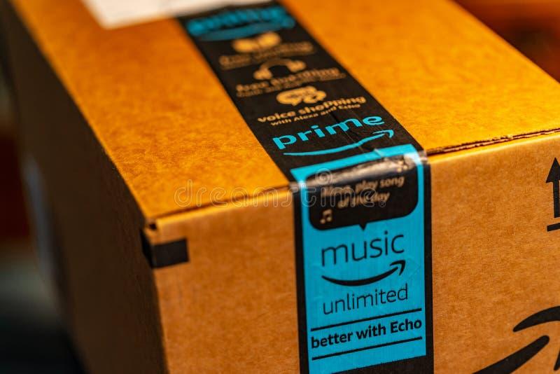 Cercano para arriba de servicio de entrega del Amazon Prime fotografía de archivo libre de regalías