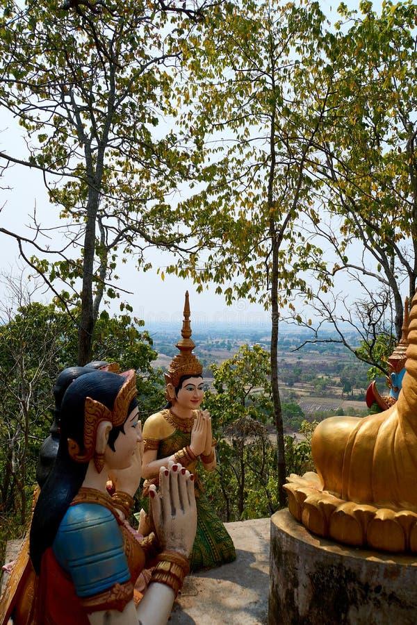 Cerchio della statua di Buddha, pagoda Kratie di Sambok fotografia stock