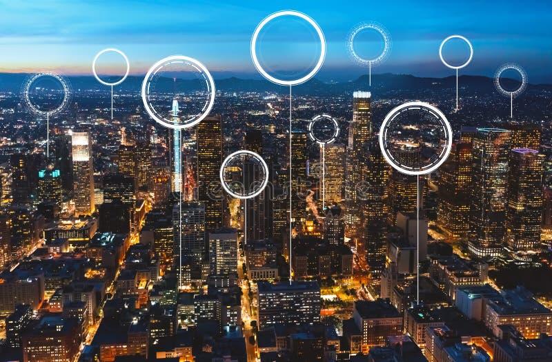 Cerchio digitale di tecnologia con Los Angeles del centro immagine stock