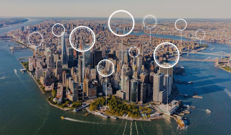 Cerchio digitale tecnologico con vista aerea di Manhattan fotografie stock libere da diritti