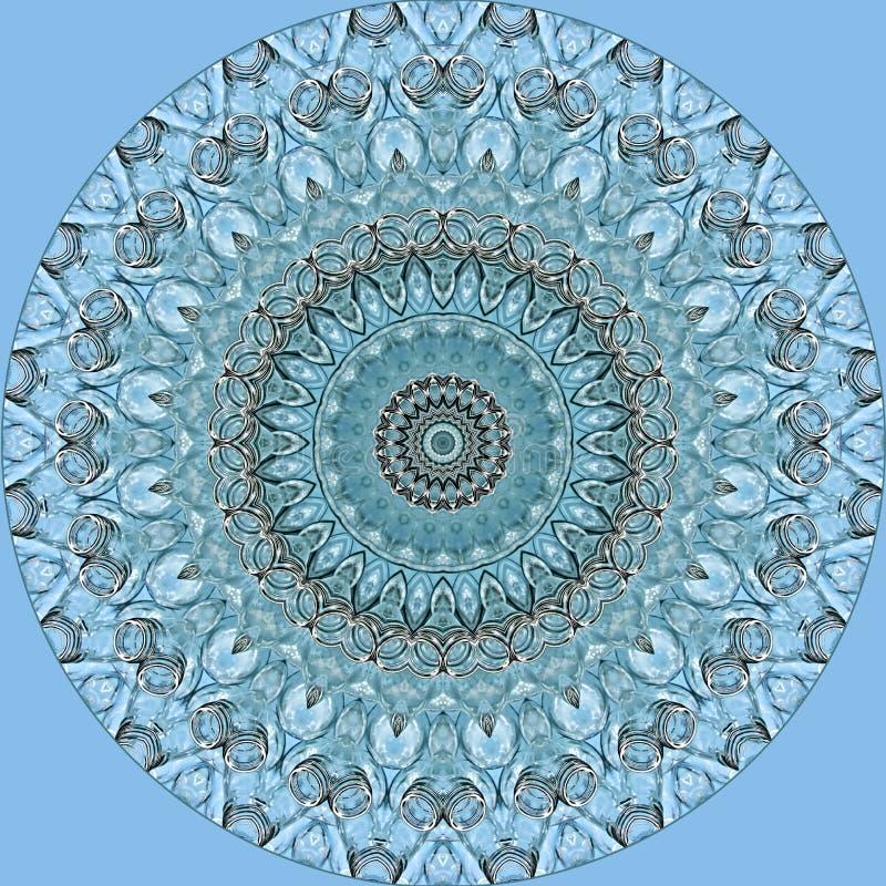 Cercle bleu lumineux des bouteilles en verre sur bleu-clair photographie stock