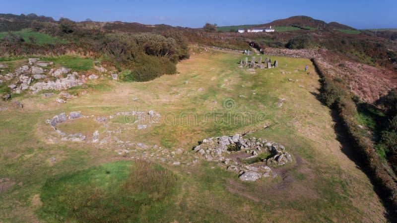 Cercle en pierre de Drombeg de vue aérienne Liège du comté l'irlande photographie stock libre de droits