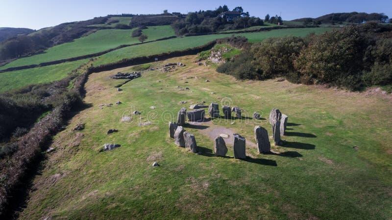 Cercle en pierre de Drombeg de vue aérienne Liège du comté l'irlande images stock