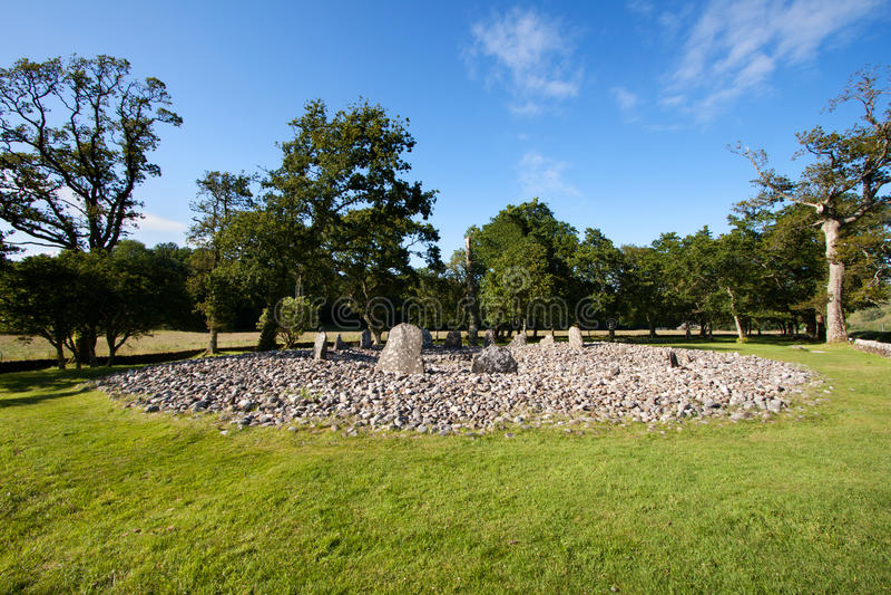 Cercle en pierre en bois de temple, gorge de Kilmartin, Ecosse photo stock