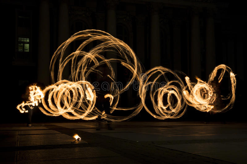 Cercles d'exposition du feu d'heure de la terre photo libre de droits