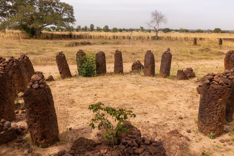 Cercles en pierre de Wassu en Gambie images stock