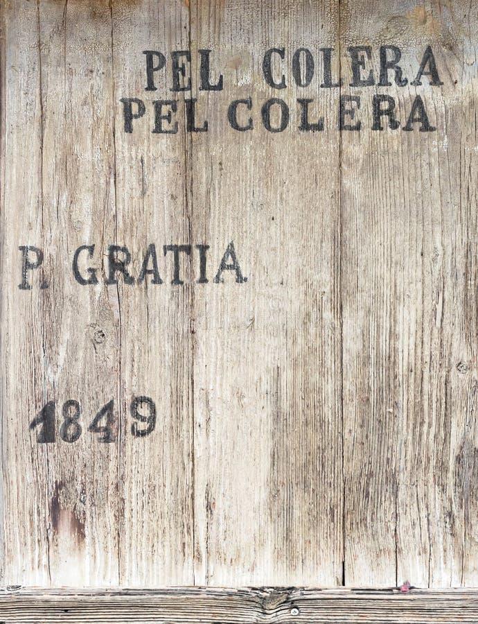 Cercueil en bois image libre de droits