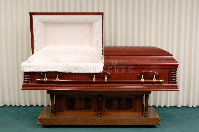 Cercueil funèbre photo stock