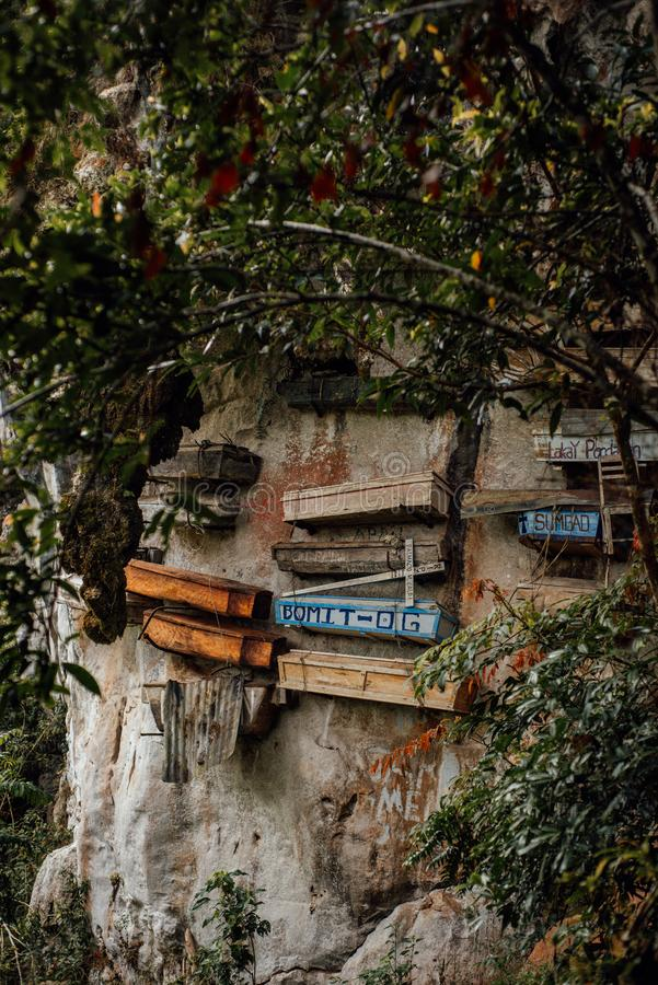 Cercueils accrochants de Sagada, Philippines images libres de droits