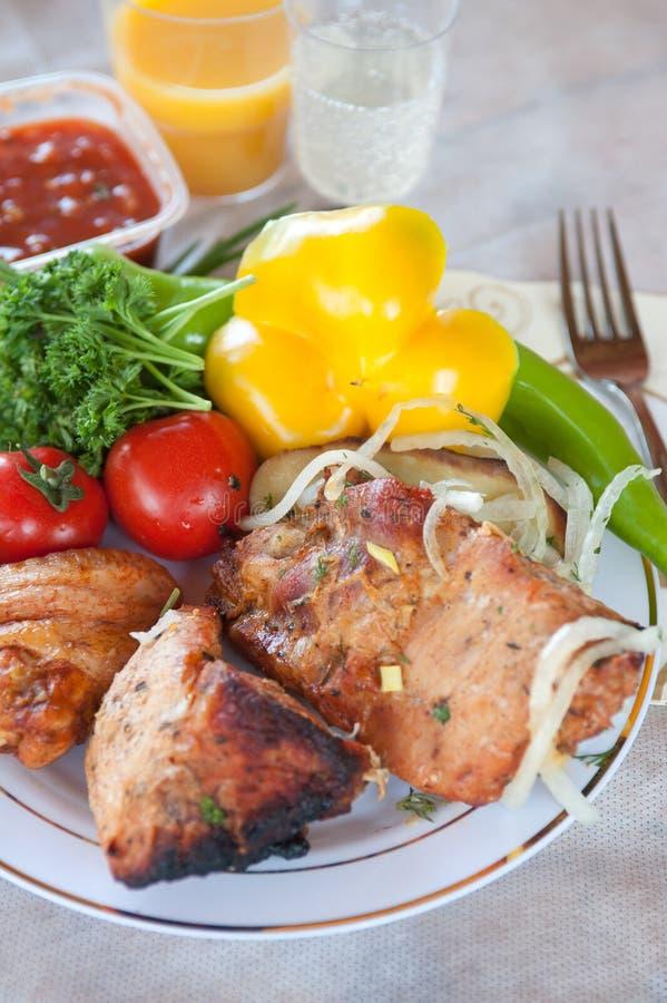 Download Cerdo Kebab imagen de archivo. Imagen de verde, pimienta - 41903203