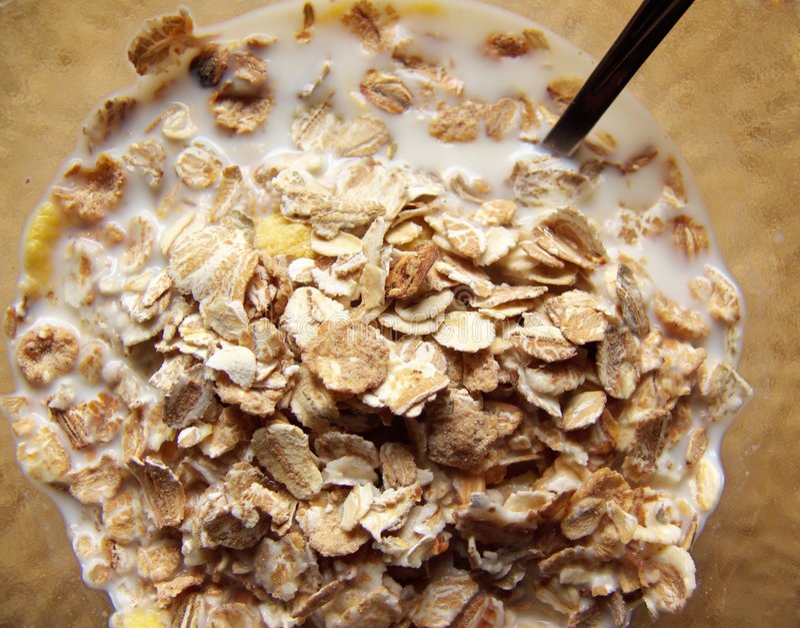 Cereal da diferença no prato foto de stock
