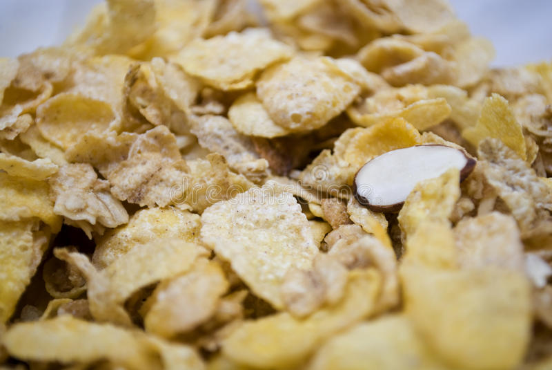 Cereal del copo de maíz de la almendra fotos de archivo