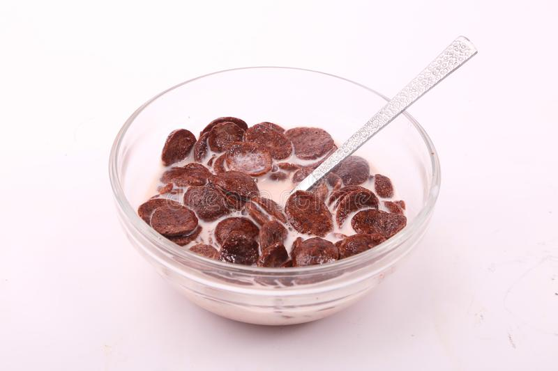 Cereal do chocolate com leite fotografia de stock royalty free