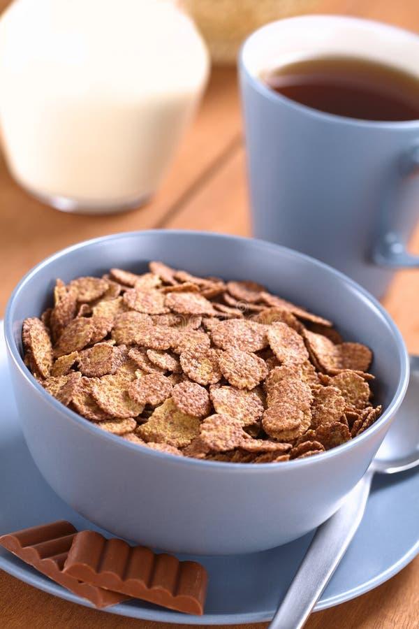 Cereal dos flocos de milho do chocolate imagens de stock royalty free
