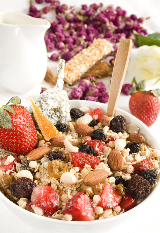 Download Cereal Granola Royalty Free Stock Images - Image: 5852019
