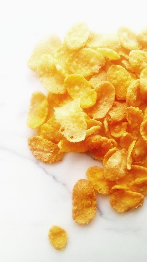Cereal no mármore branco fotografia de stock royalty free