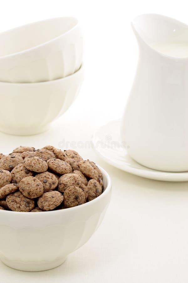 Cereal sano delicioso de los cabritos imagenes de archivo