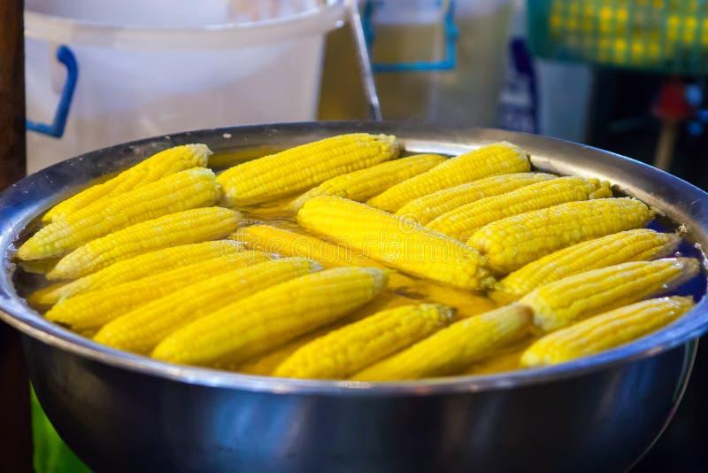 cereale bollito da vendere la vendita al dettaglio immagini stock libere da diritti