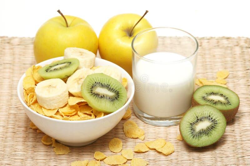 Cereale e latte fotografie stock