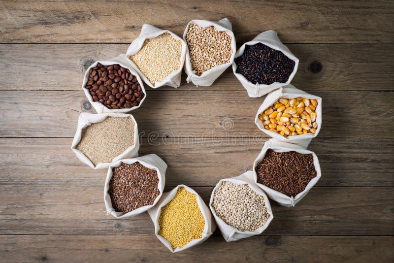 Cereales y semillas libres del gluten imagen de archivo libre de regalías