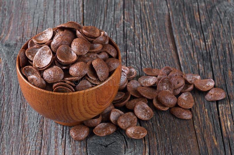 Cereali del cioccolato in ciotola fotografie stock libere da diritti