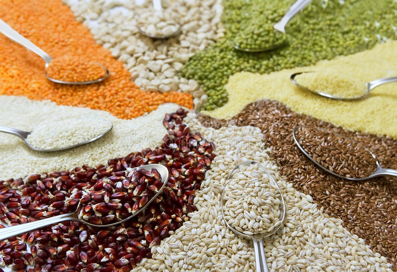 Cereali variopinti differenti immagini stock