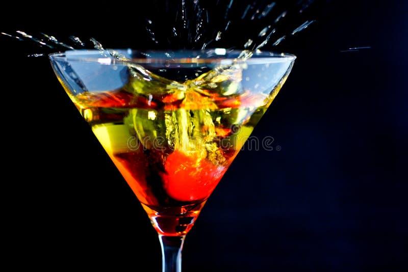 Cereja em um cocktail imagem de stock royalty free