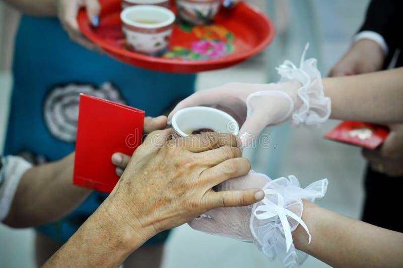 ceremonia ślub chiński herbaciany zdjęcia royalty free