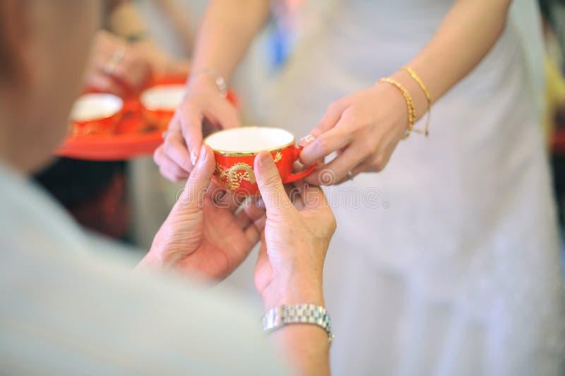 ceremonia ślub chiński herbaciany obrazy stock