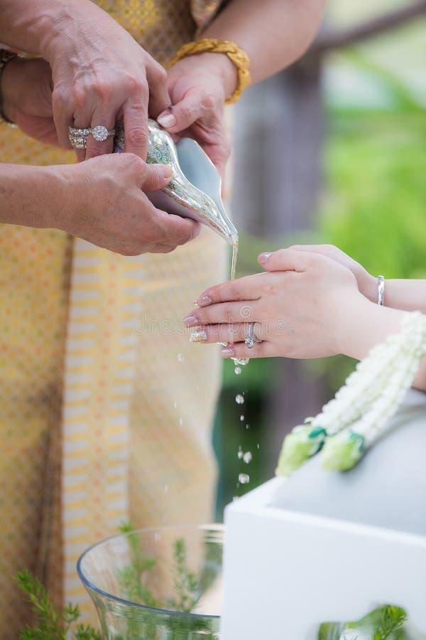 Ceremonia de boda tailandesa tradicional Ceremonia de Shell foto de archivo libre de regalías