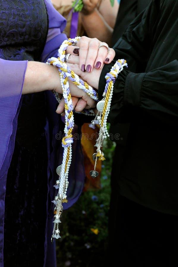 Ceremonia de Handfasting fotografía de archivo