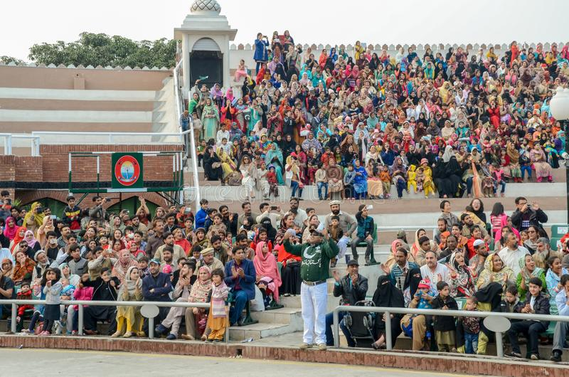 Ceremonia de la frontera de Wagah Paquistán la India, Lahore, Paquistán fotografía de archivo