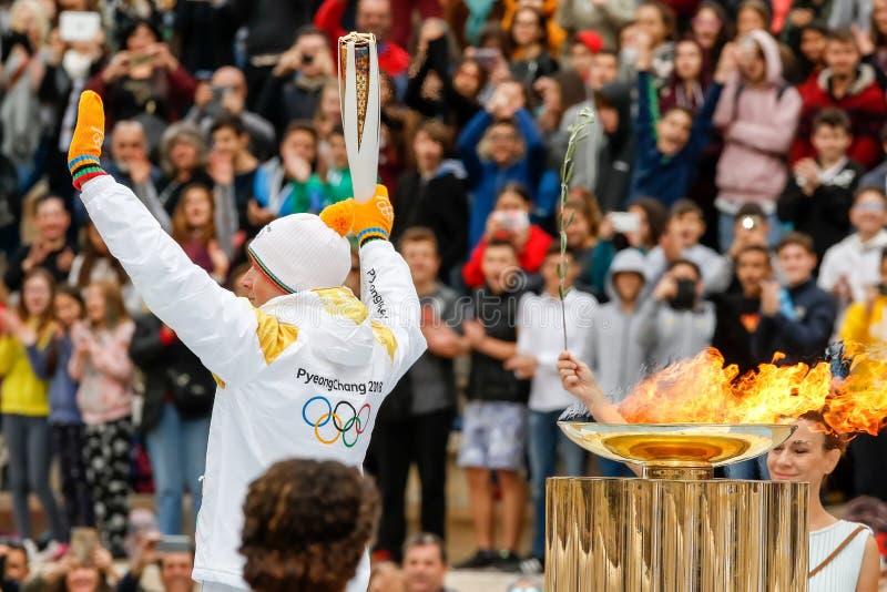 Ceremonia de la llama olímpica para las olimpiadas de invierno imagen de archivo