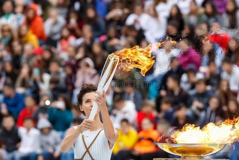 Ceremonia de la llama olímpica para las olimpiadas de invierno imágenes de archivo libres de regalías