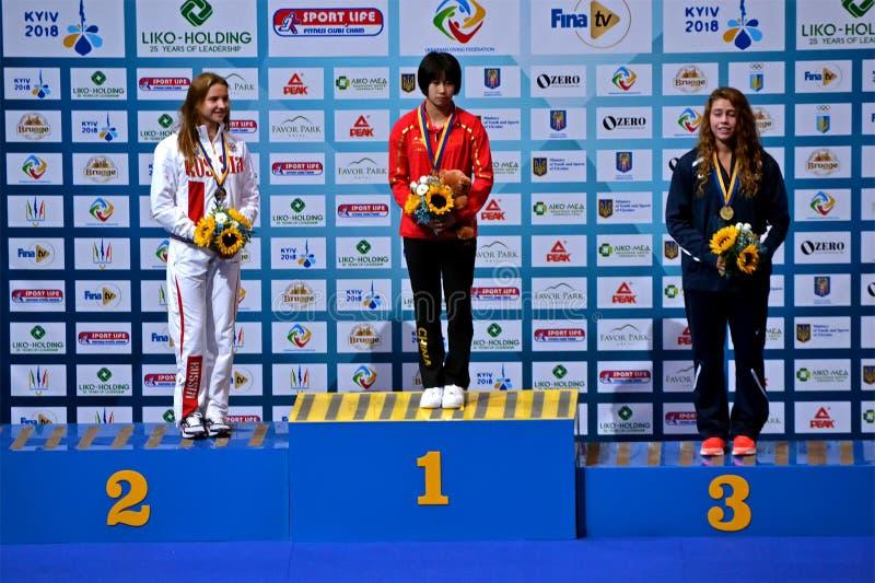 Ceremonia del ganador, 22do torneo de la calificación de FINA World Junior Diving Championships FINA Diving Youth Olympic Games, imagen de archivo