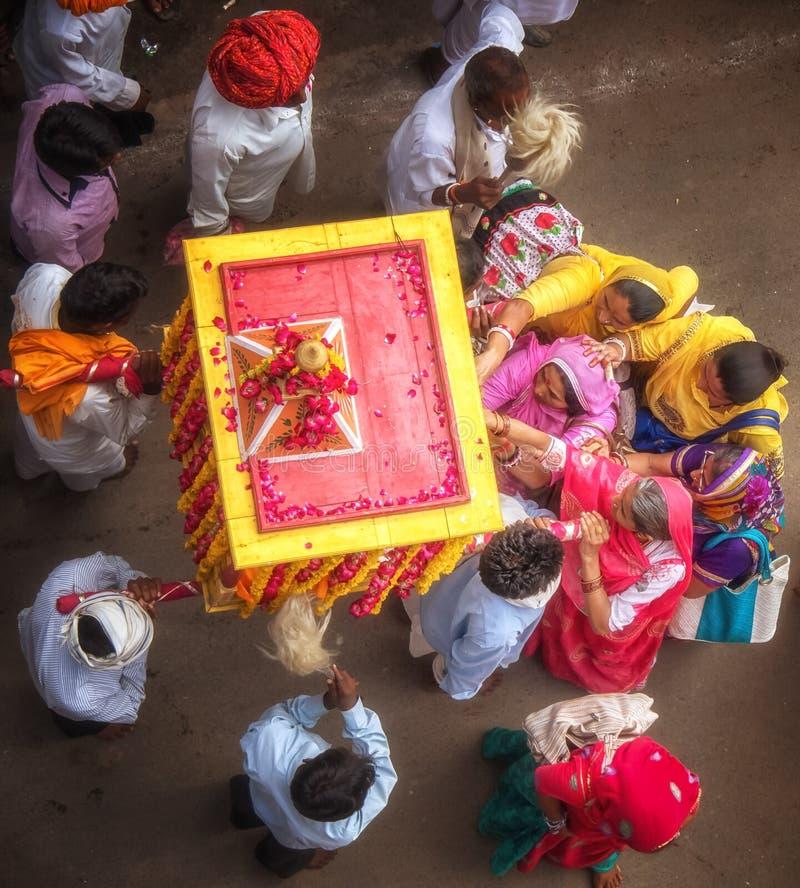 Ceremonia durante festival indio fotos de archivo libres de regalías