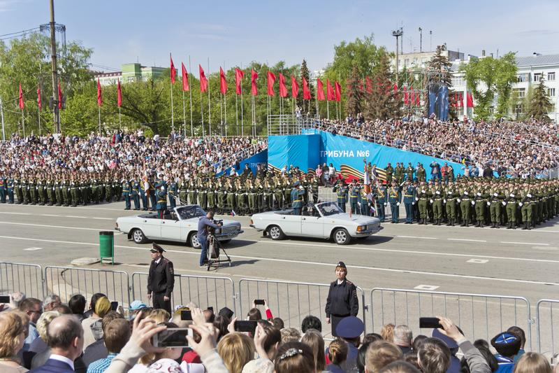 Ceremonia rusa de abrir desfile militar en Victory Da anual fotografía de archivo