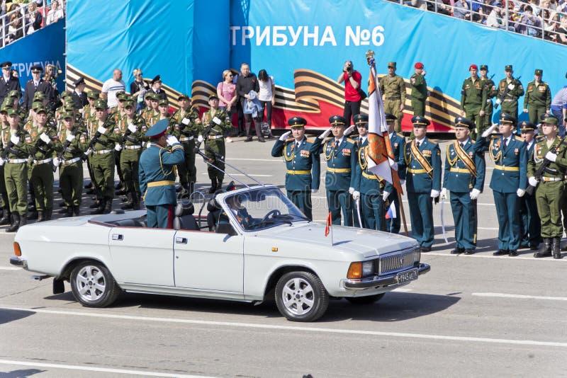 Ceremonia rusa de abrir desfile militar en Victory Da anual foto de archivo