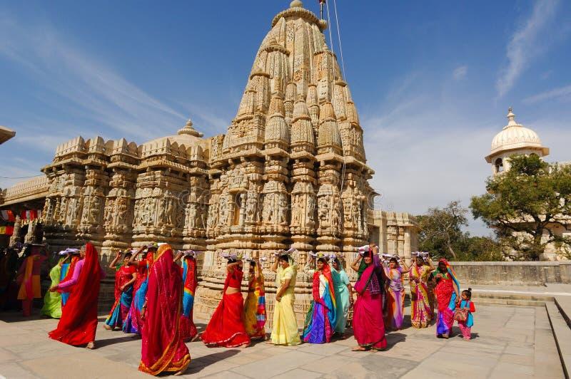 Ceremonie Jain bij tempel Ranakpur. royalty-vrije stock afbeeldingen