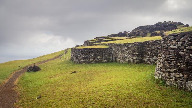 Ceremoniell stad av Orongo p? den Rano Kao vulkan p? p?sk?n Rapa Nui kultur arkivfoton