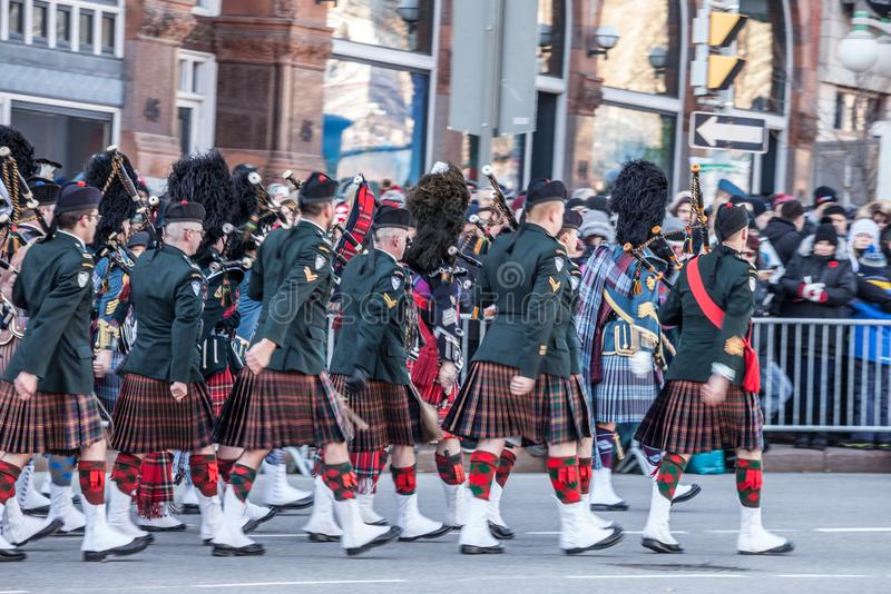 Ceremoniell vakt av regulatorn General Foot Guards av Kanada, med deras kiltar som st royaltyfria bilder