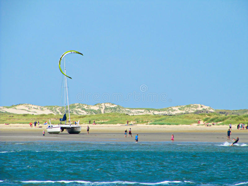 Cerf--surfer en mer IJsselmeer de la Hollande - de l'Ijssel images libres de droits