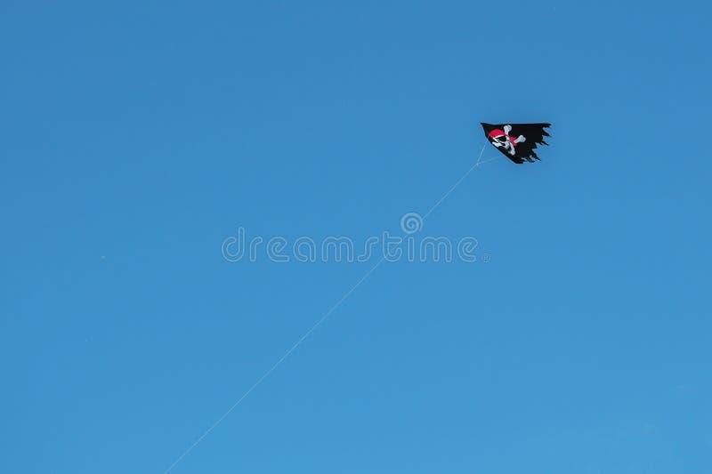 Cerf-volant de vol de pirate photo stock