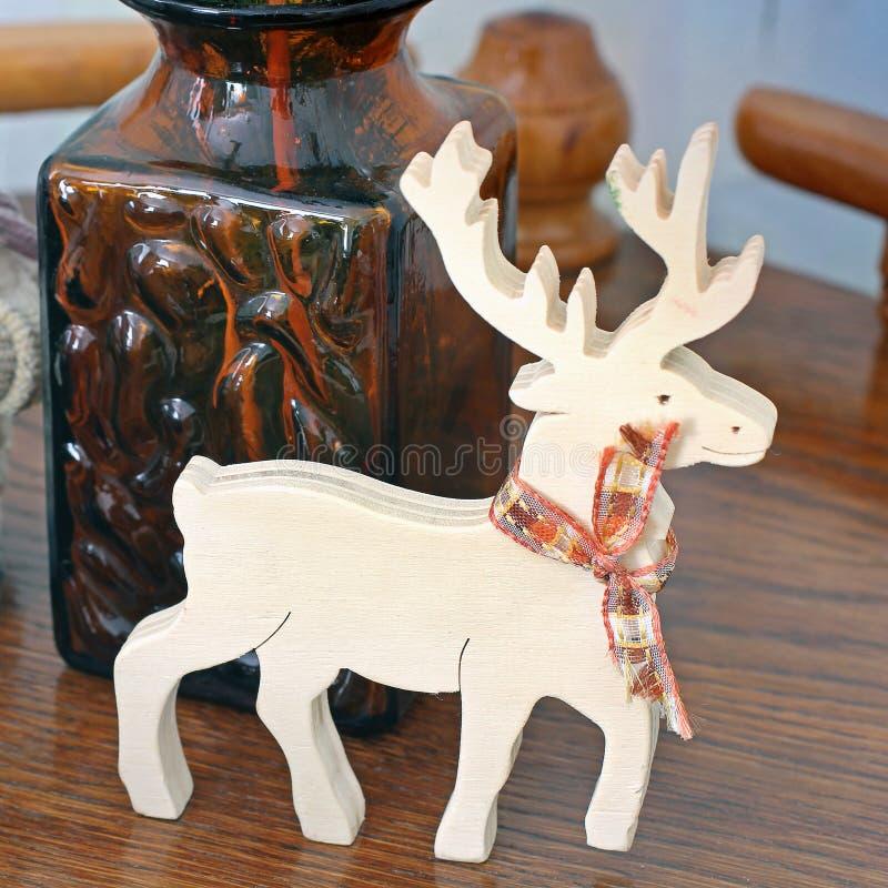 Cerfs communs en bois Cerfs communs de Noël Jouet en bois photos libres de droits
