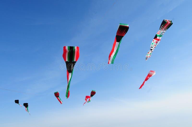 Cerfs-volants de drapeau du Kowéit photos stock