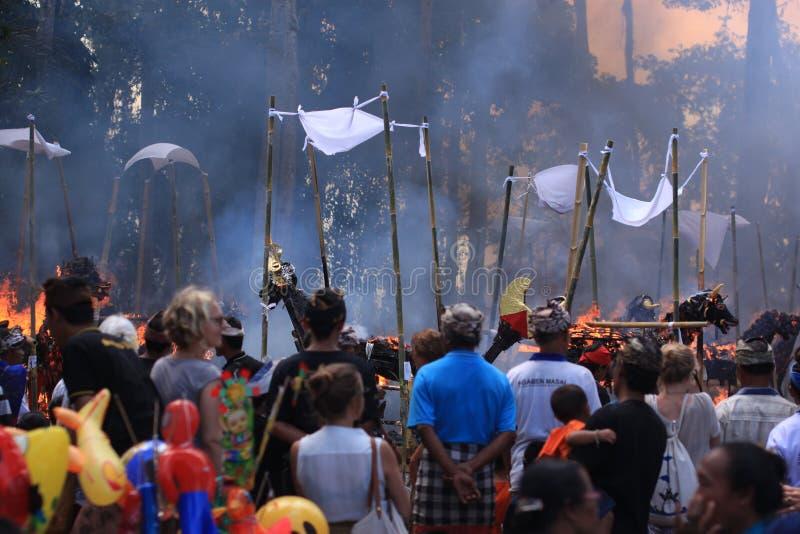 Cerimônia da cremação da tradição em Bali fotografia de stock