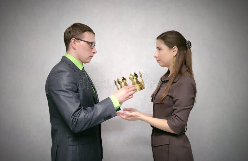 Cerimônia de entrega dos prêmios Concessão com coroa do ouro fotografia de stock