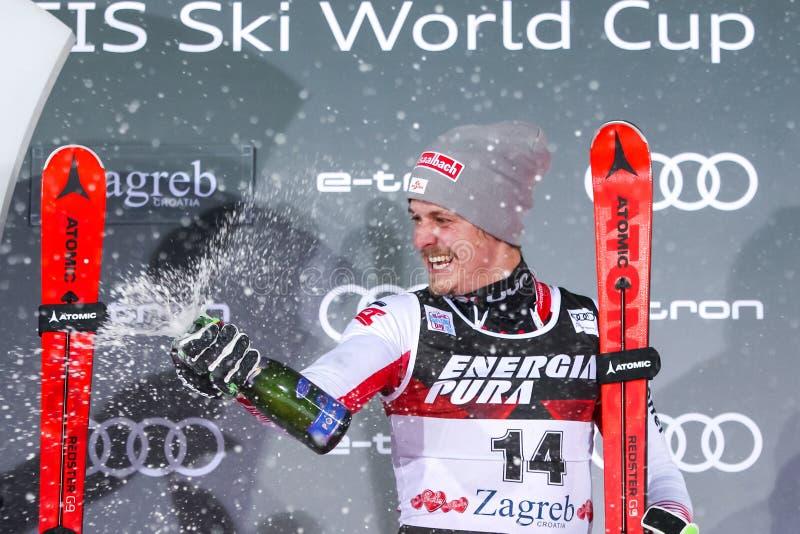 Cerimônia de entrega dos prêmios do slalom dos homens do troféu 2019 da rainha da neve foto de stock